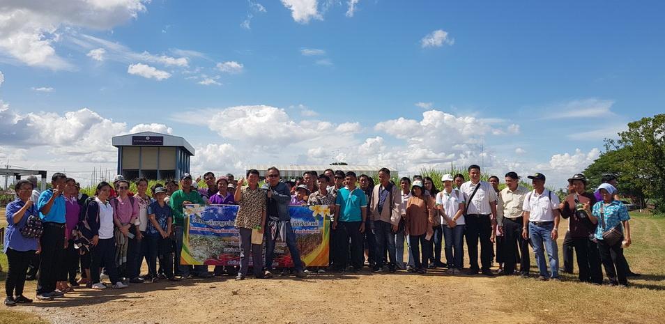 เมื่อวันที่ 28 มิถุนายน 2561 ที่ผ่านมา เจ้าหน้าที่และเกษตรกรจังหวัดพิษณุโลก ขอเข้าดูงานศูนย์การปรับปรุงพันธุ์อ้อยแห่งประเทศไทย (TSBC)