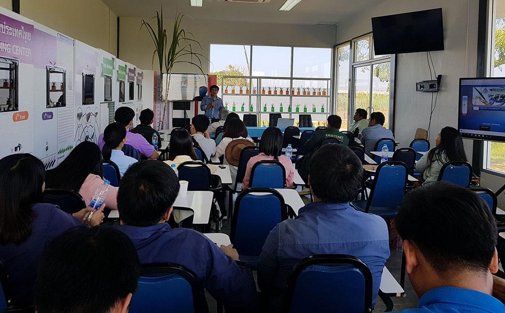 เมื่อวันที่วันที่ 31 ตุลาคม 2561 - 2 พฤศจิกายน 2561 ที่ผ่านมา ศูนย์การปรับปรุงพันธุ์อ้อยแห่งปนะเทศไทย ได้จัดฝึกอบรมเชิงปฏิบัติการนักวิจัยด้านอ้อยรุ่นใหม่